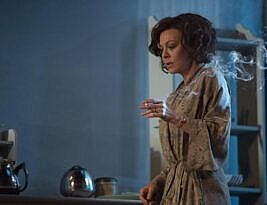 The Deep Blue Sea by by Terence Rattigan: National Theatre at Home online until 16th July 2020. *** Mark Courtice